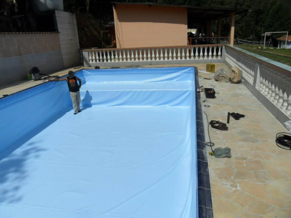 Led rgb para piscina lumin rias dudaluz for Luminarias para piscinas
